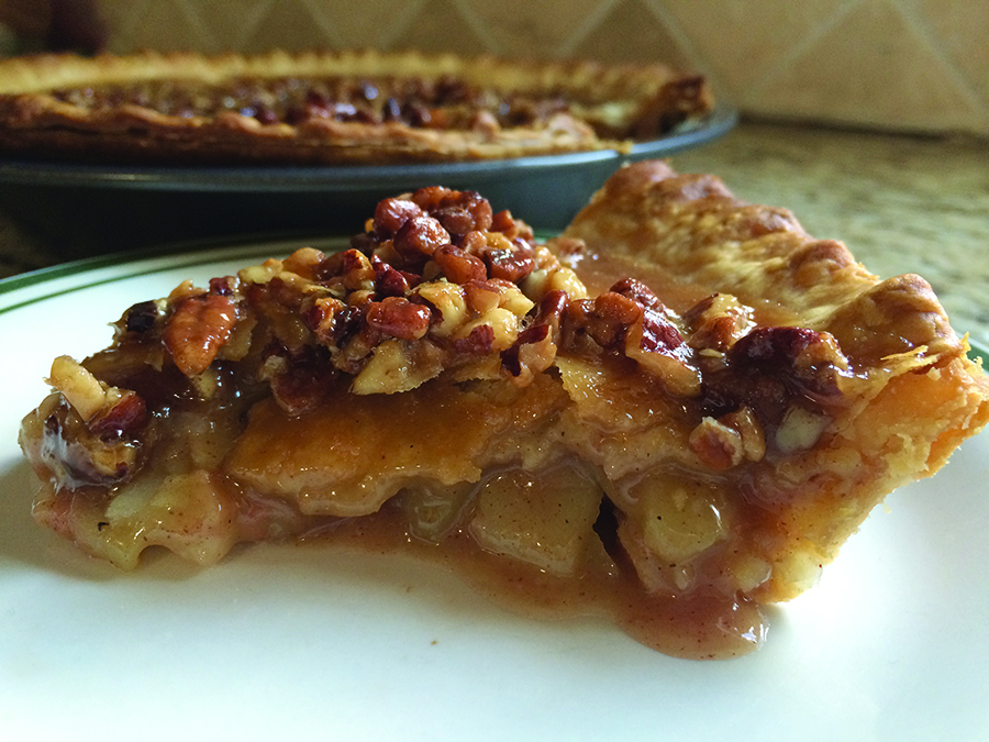 Mary Lou's Apple Praline Pie